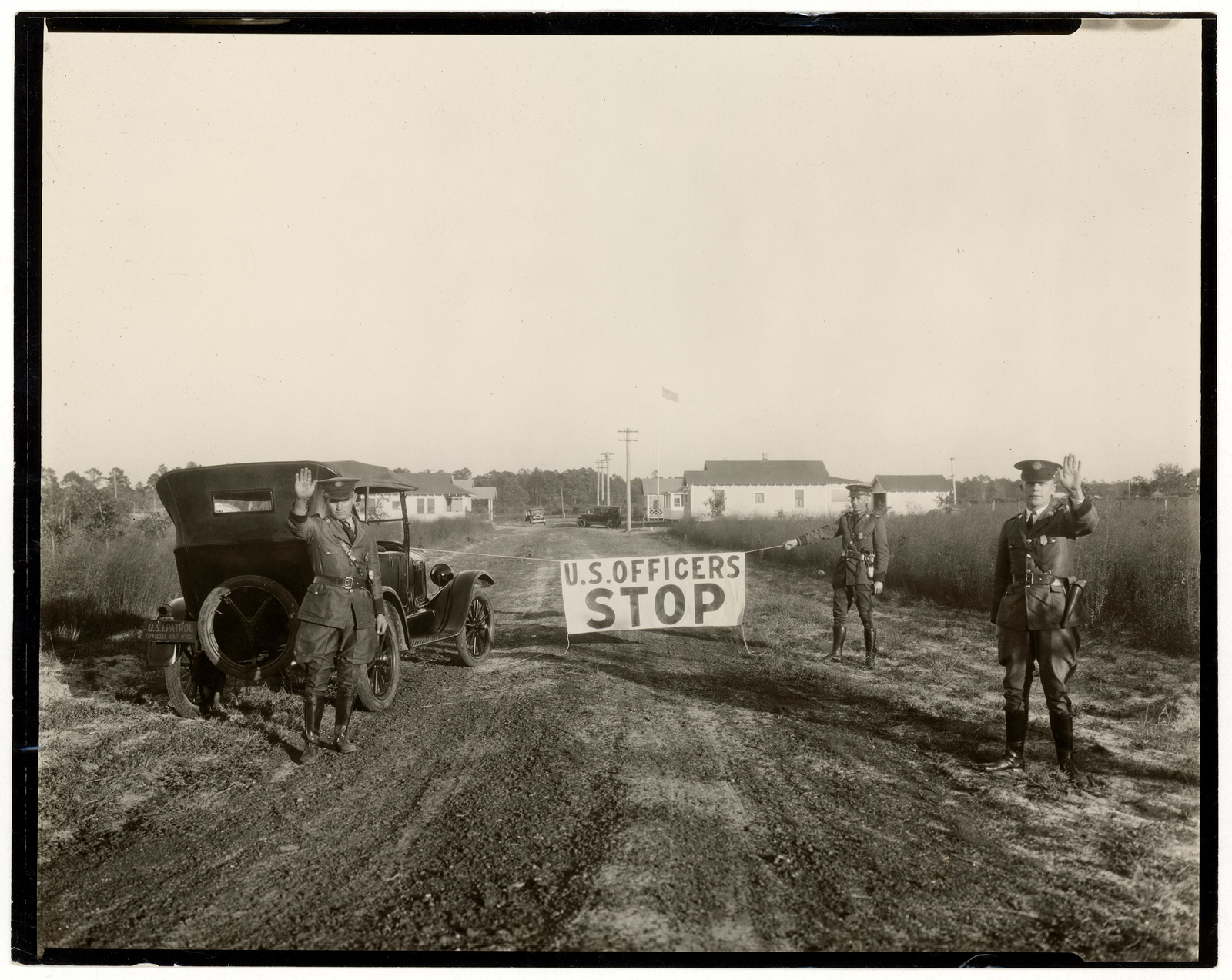 Photograph of Border Patrol Agents Blocking a Road in Gainesville, Florida