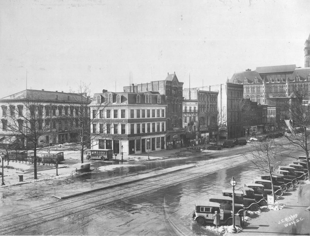 Southwest Corner of 9th Street and Pennsylvania Avenue, Fords Opera House, Marble Saloon