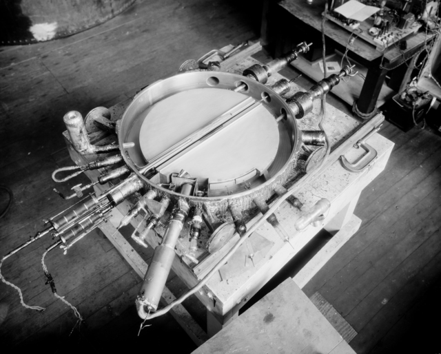 27-inch cyclotron, 1932. Morgue 1944-32 (P-1) [Photographer: Donald Cooksey]
