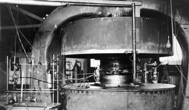 27-inch cyclotron with magnet,1932. [Photographer: Donald Cooksey]