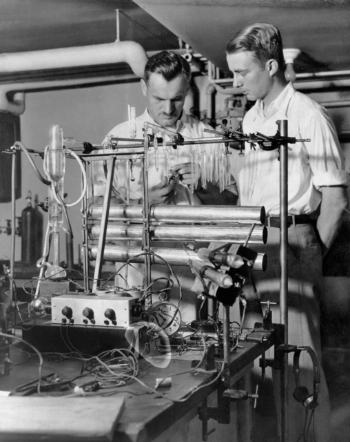 Graduate student Luis Alvarez is shown in 1933 with Arthur Compton, with whom he worked on cosmic ray programs for his Ph.D. thesis at the University of Chicago. Morgue 1946-8 (P-1) [Photographer: Donald Cooksey]