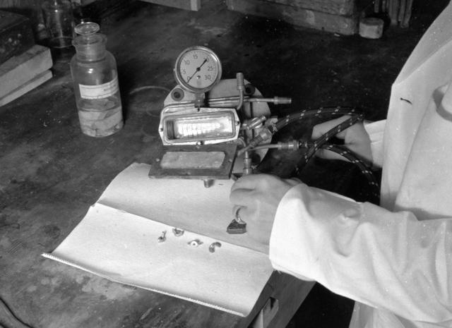 Joseph Gilbert Hamilton's radiosodium experiment lab set up. January 1939. See also XBB 6808-4752 (FMP record missing). [Photographer: Donald Cooksey]