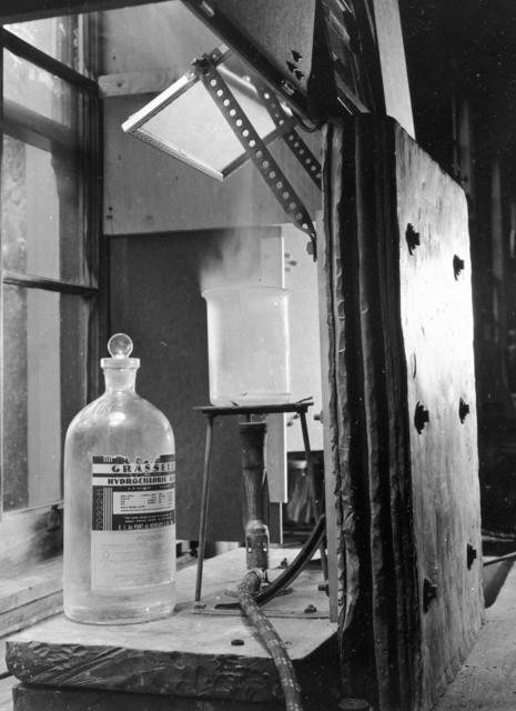 Joseph Gilbert Hamilton's radiosodium experiment lab set up. January 1939. See also XBB 6808-4753(FMP record missing). [Photographer: Donald Cooksey]
