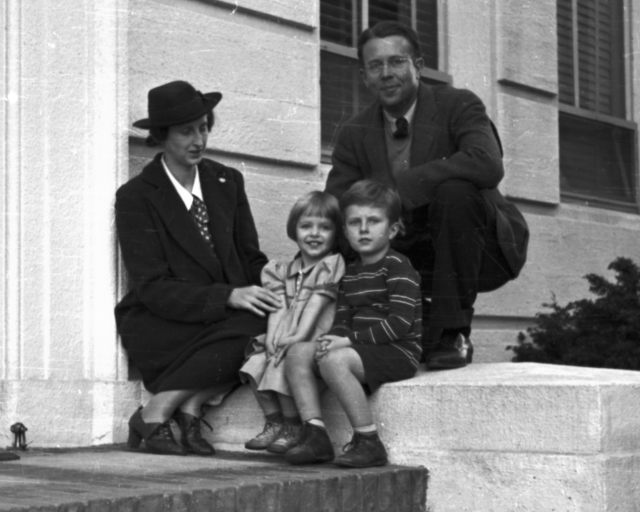 Ernest Orlando Lawrence with wife, Molly and children, Eric and Margaret on stoop of Crocker Lab.  Cooksey  12-29,  January 18, 1939. [Photographer: Donald Cooksey]