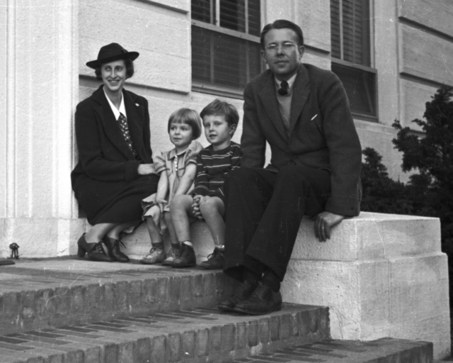 Ernest Orlando Lawrence with wife, Molly and children, Eric and Margaret on stoop of Crocker Lab. Cooksey  12-36,  January 18, 1939. [Photographer: Donald Cooksey]
