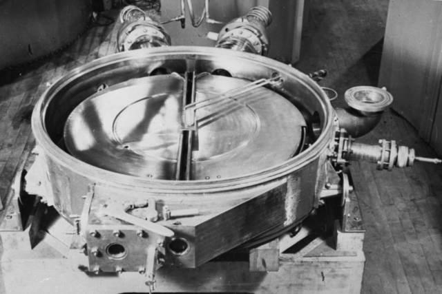 37-inch cyclotron, tank number four. Put into use August 1937. Photo taken February 1, 1940. Principal Investigator/Project: Analog Conversion Project [Photographer: Donald Cooksey]