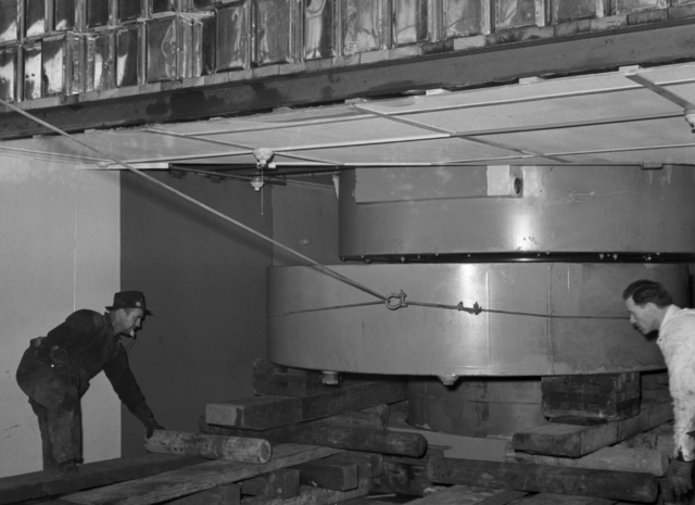 60-inch cyclotron cover. Coil bank coming out for repairs, taken February 8,1940. Principal Investigator/Project: Analog Conversion Project [Photographer: Donald Cooksey]