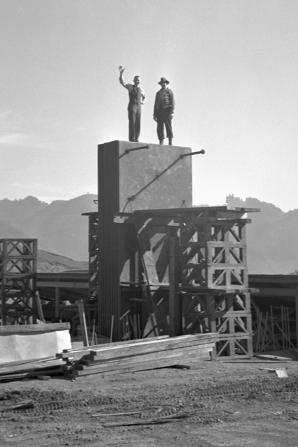 184-inch cyclotron construction with Donald Cooksey (left) and Bill Farley, taken January 28, 1941. Principal Investigator/Project: Analog Conversion Project [Photographer: Donald Cooksey]