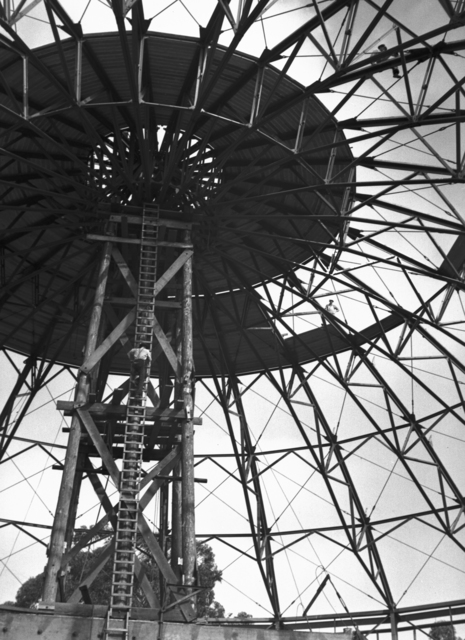 184-inch cyclotron roof installation, taken November 14, 1941. Principal Investigator/Project: Analog Conversion Project [Photographer: Donald Cooksey]