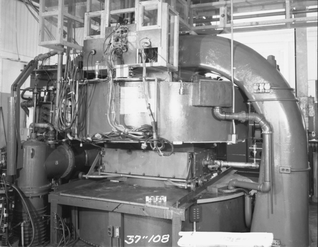 "37-inch cyclotron magnet and tank. Photo taken 4/18/1944. 37""-108. Principal Investigator/Project: Analog Conversion Project"