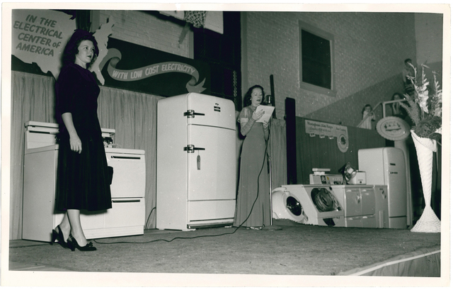 Photograph of Electric Appliance Show in Copperhill, Tennessee