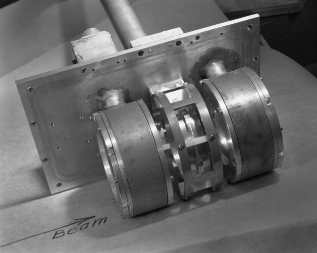 "Ionization chambers Faraday cup. Photo taken 5/11/1950. 60""-274.  Principal Investigator/Project: Crocker Lab/60-inch"