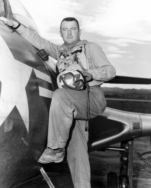 United States Marine Corps Captain (CPT) Robert Wade.  Official Portrait