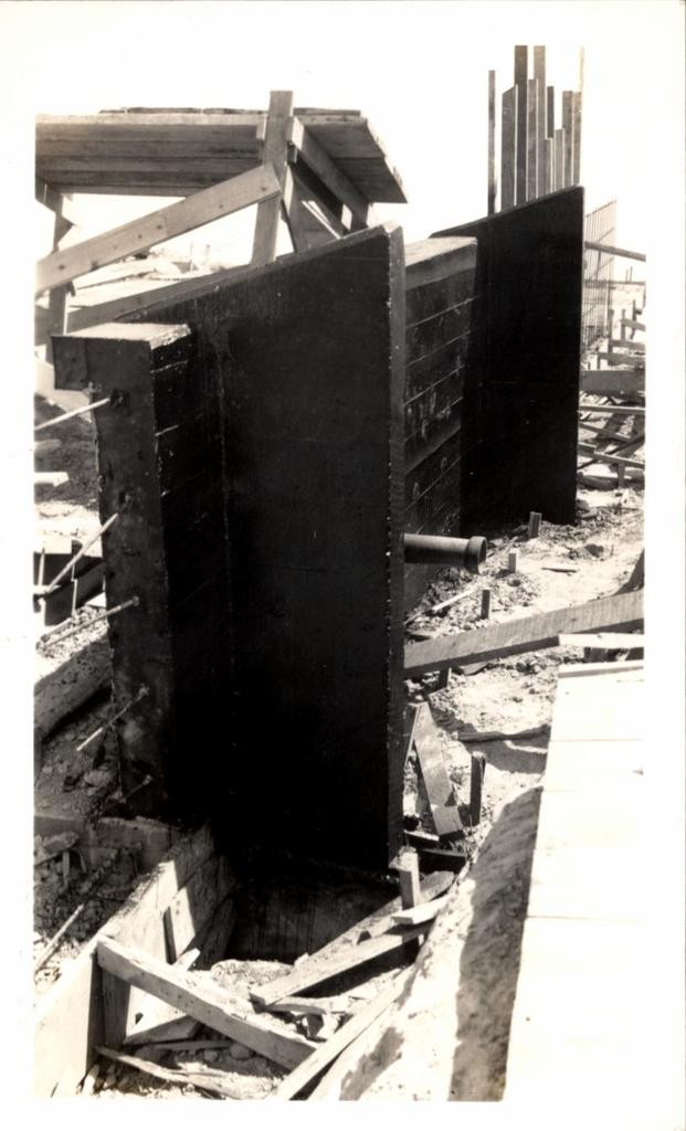 Project (Kyle Dam - Spillway Construction)