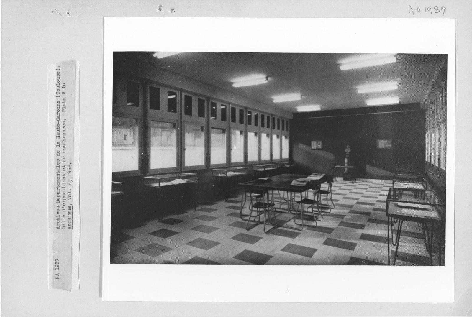 Photograph of Archives Deparetementales de la Haute Garonne (Toulouse), Salle d'Exposition et de Conferences