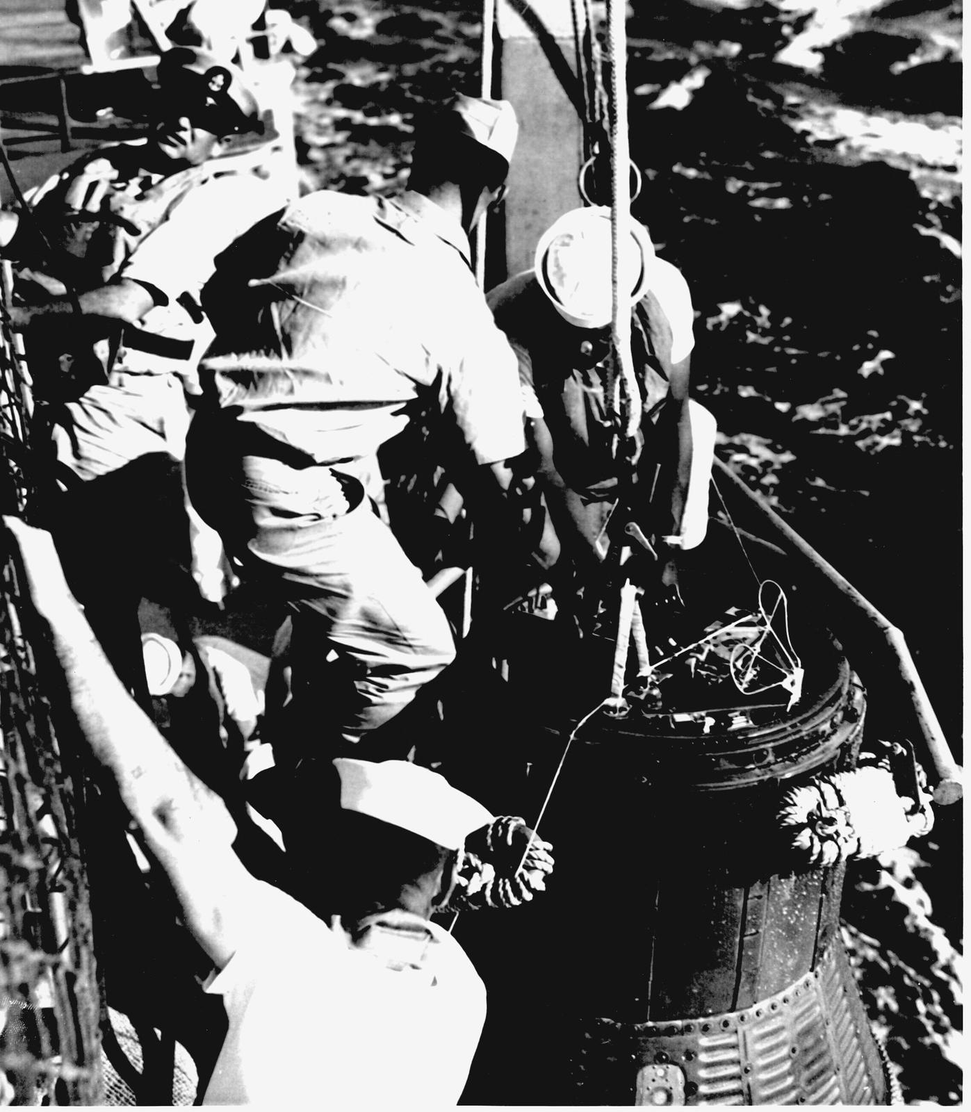 Photograph of Naval Personnel Performing Recovery Operations of Friendship 7