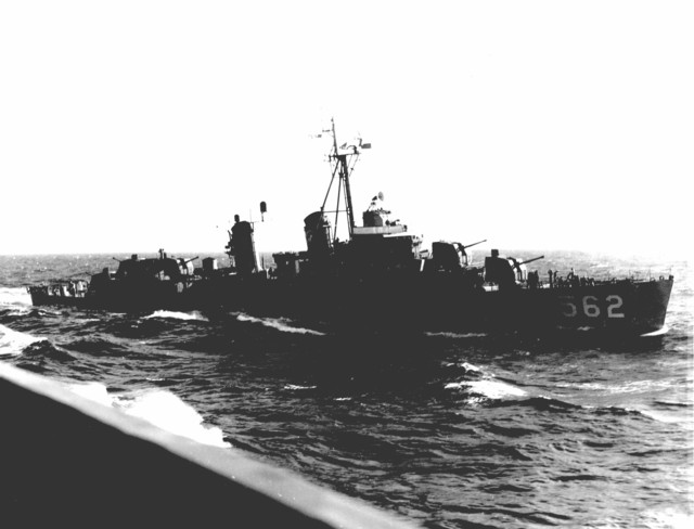 Photograph of the USS Robinson Moving into Position to Recover Astronaut Malcolm Scott Carpenter and Aurora 7