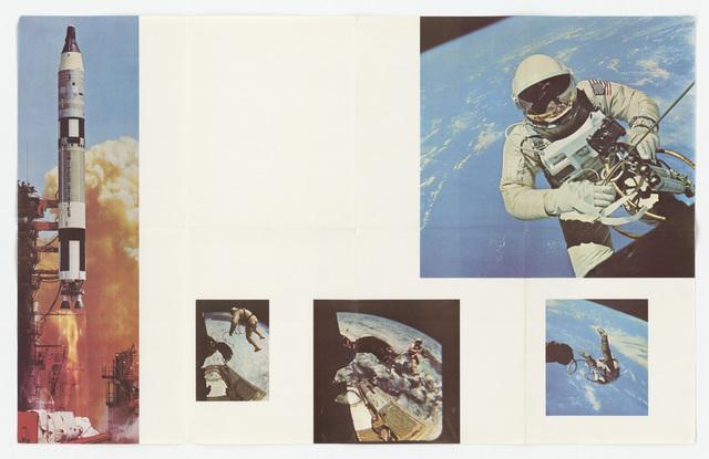 Astronaut Walks in Space (65-363) Poster