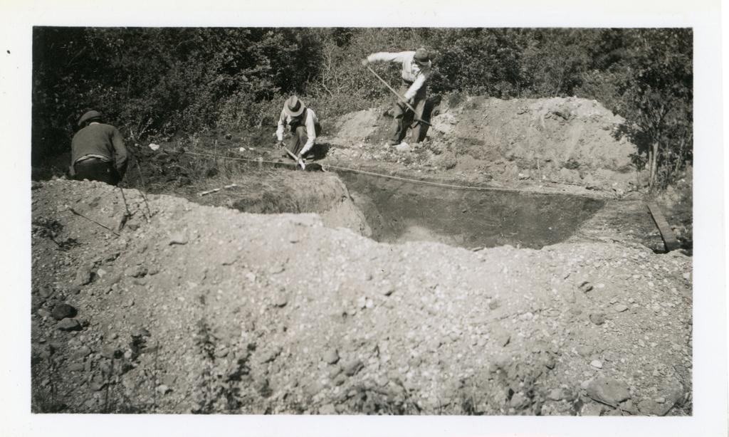Heminger Cellar / Men Working