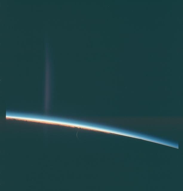 Gemini VIII Mission Image - Earth Limb