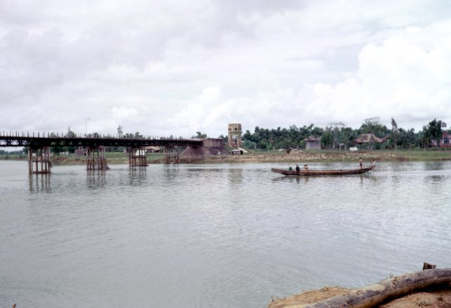 The Highway 1 bridge over the Cam Lo (Cua Viet) River at Dong Ha
