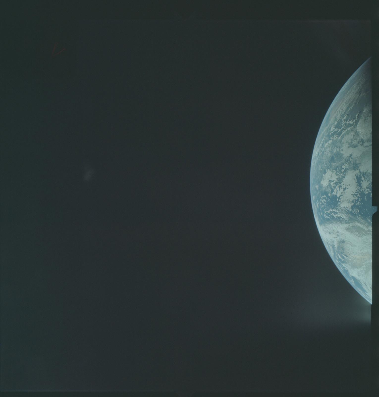 AS04-01-142 - Apollo 4