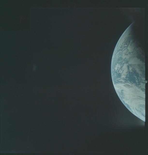 AS04-01-182 - Apollo 4