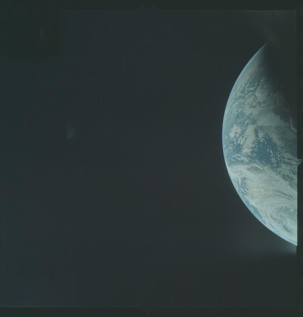 AS04-01-198 - Apollo 4