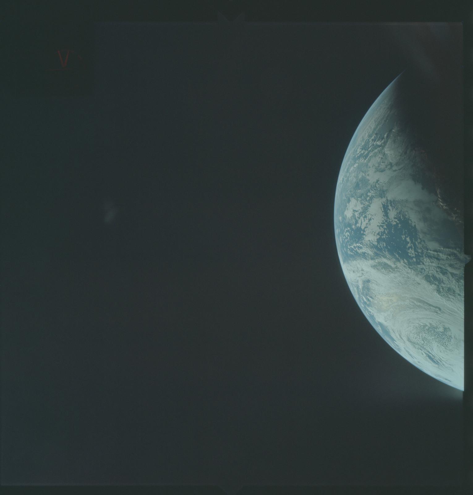 AS04-01-212 - Apollo 4