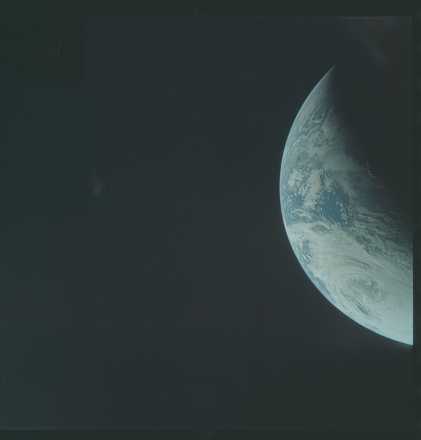 AS04-01-245 - Apollo 4