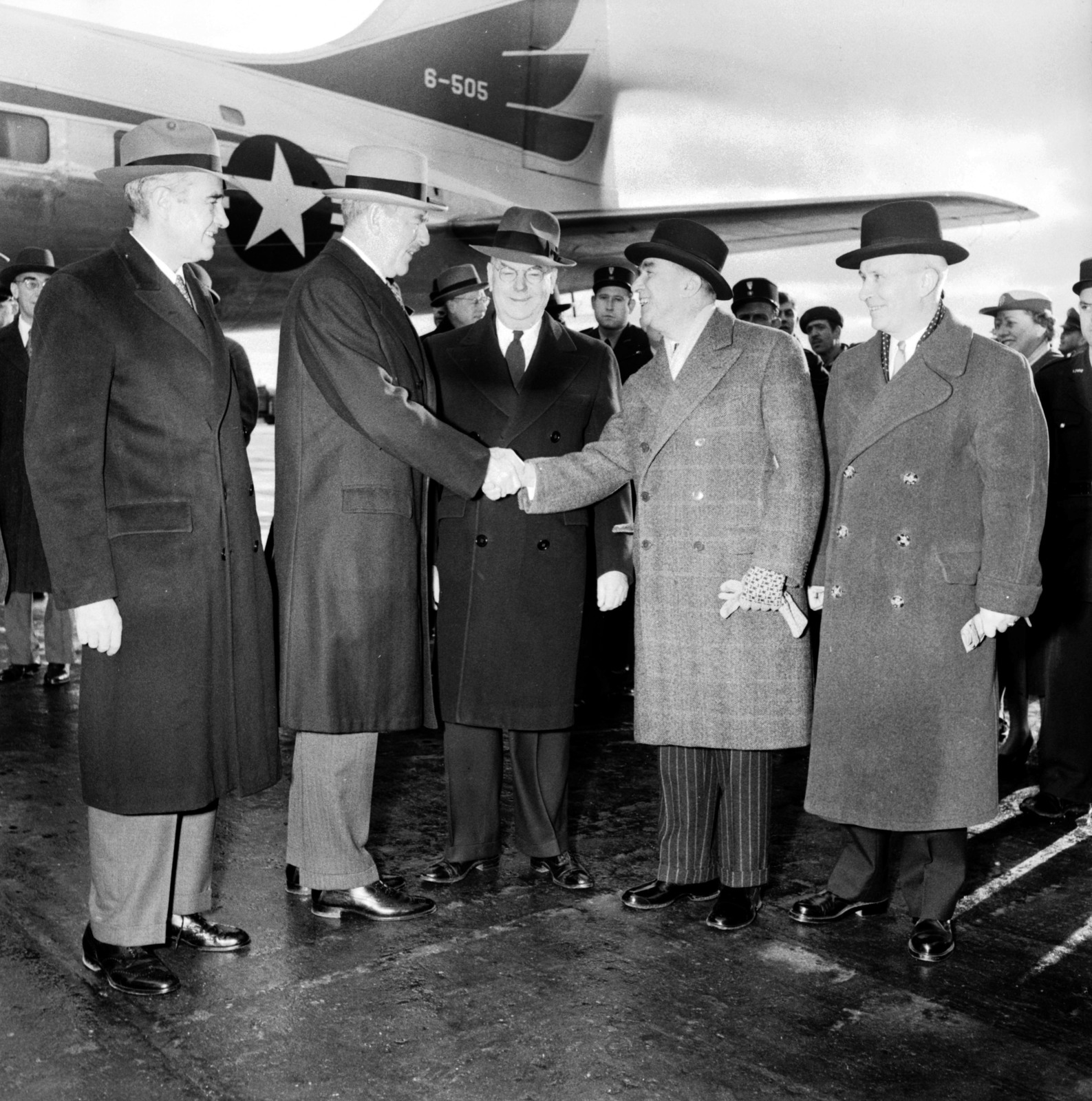 [Acheson's Arrival for NATO Conference with US Delegation]