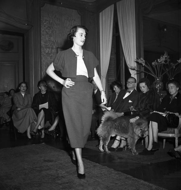 [Greek Fashion Show in Paris]