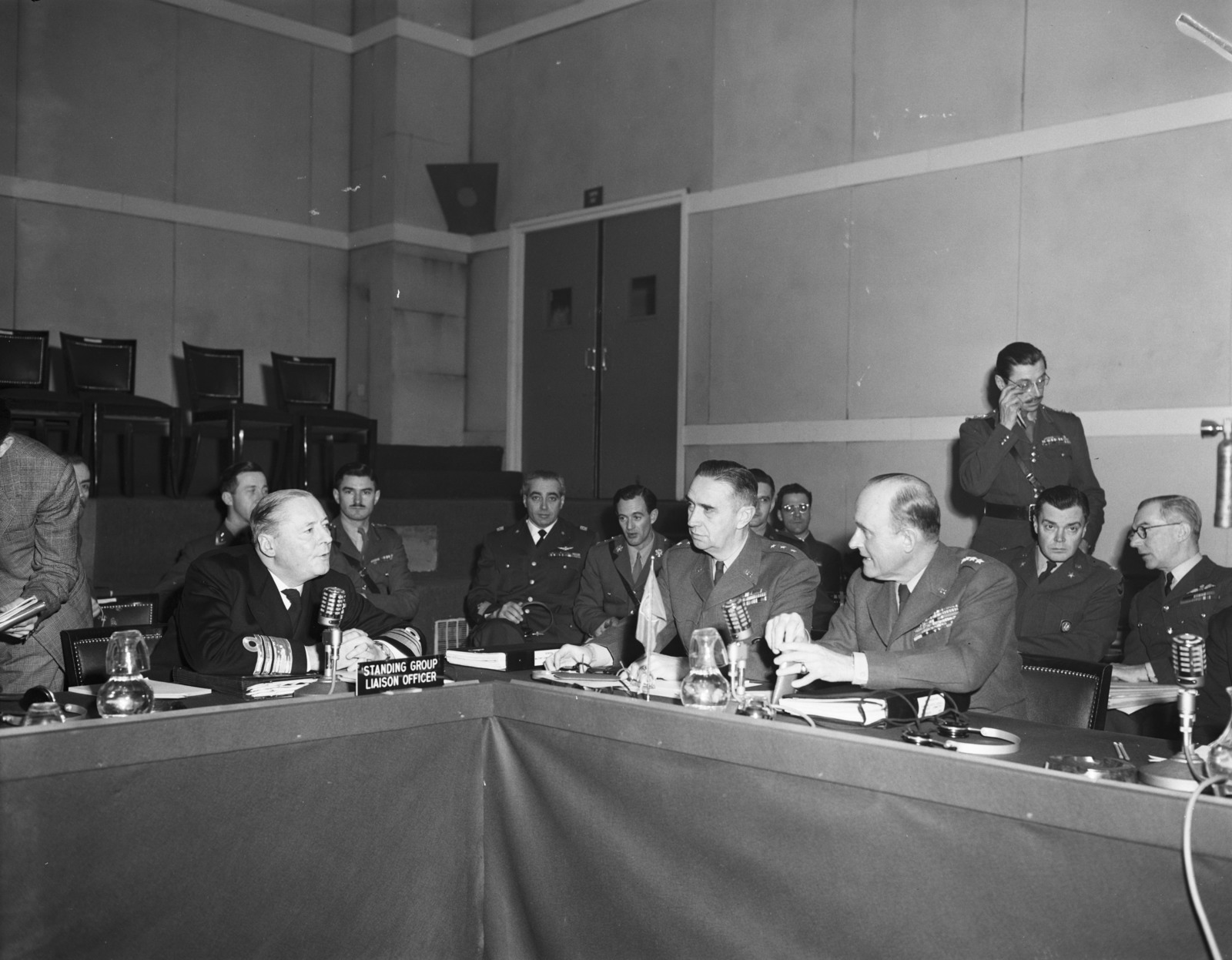 [NATO Chiefs of Staff Meet in Paris]