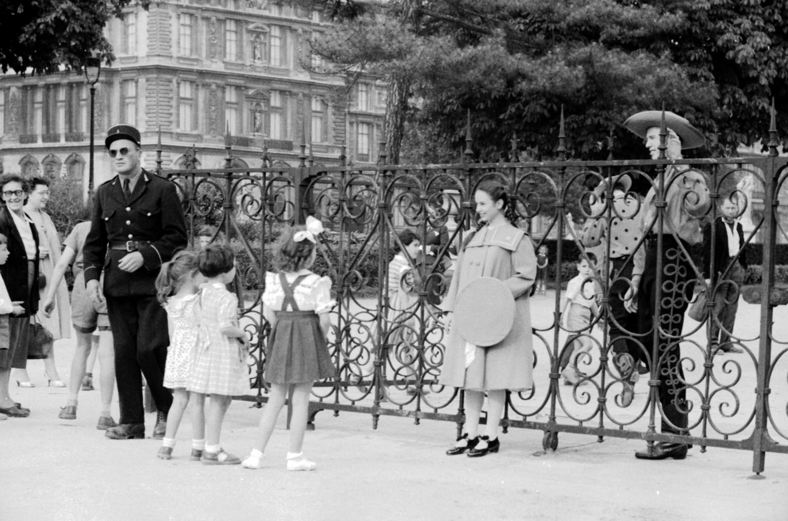 "[""Oklahoma"" Actors at the Tuileries Garden and Paris Café]"