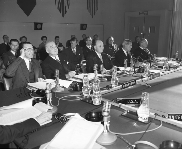 [Ole Bjorn Draft, Danish Foreign Minister, Chairman North Atlantic Council 1952-53, at Meeting & Press Conference]