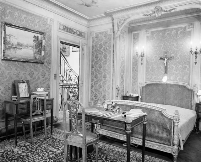 [Paris Apartment of Robert Blum]