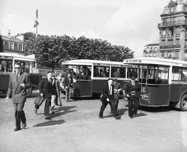 [Paris Bus Driver Fights Against Communism]