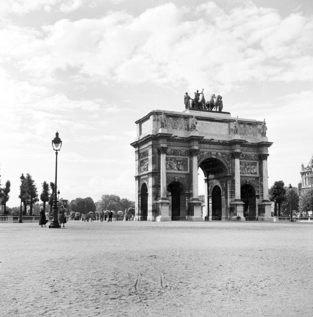 [Paris Scenes]
