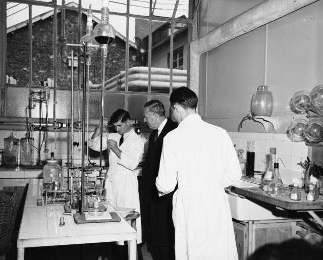 [Paul G. Hoffman ECA Administrator Visits the SIFA (Streptomycin Plant)]