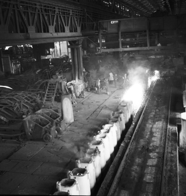 [SAAR Story] - [Iron & Steel Industry Reaches Postwar High]