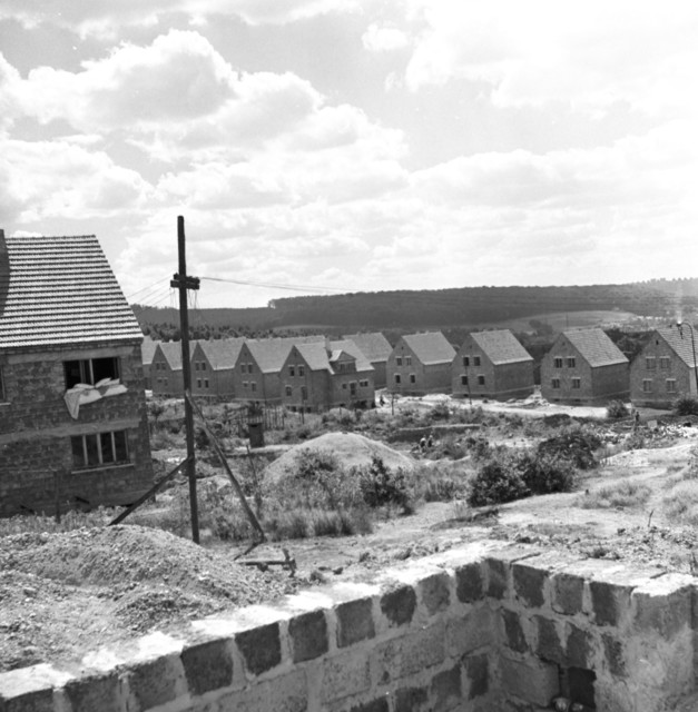 [SAAR Story] - [Miners' Housing & Views of Towns]