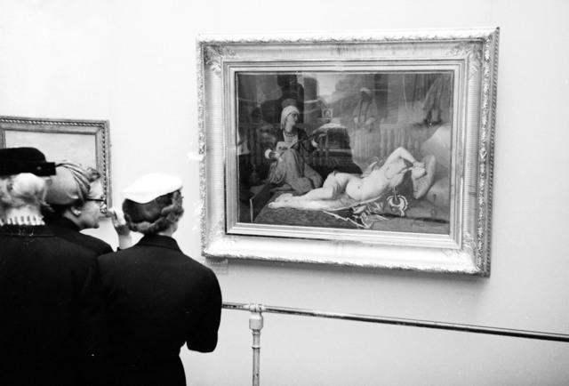 """[Salut a la France, """"De David a Toulouse Lautrec"""" Exhibit, French Public at the Orangerie]"""