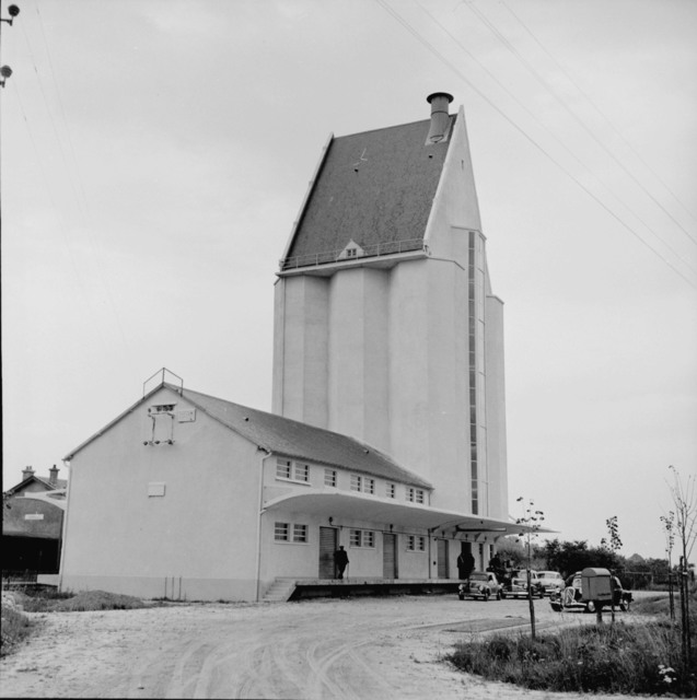 [Secretary Brannan Visits French Farm Spots]