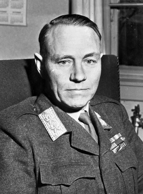 [SHAPE Officials - Major General Warretn R. Carter, Major General E. C. V. Miller, Lt. General William Hansteen]
