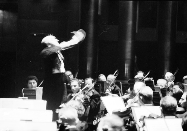 [The Philadelphia Orchestra, Ormandy, at the Palais de Chaillot]