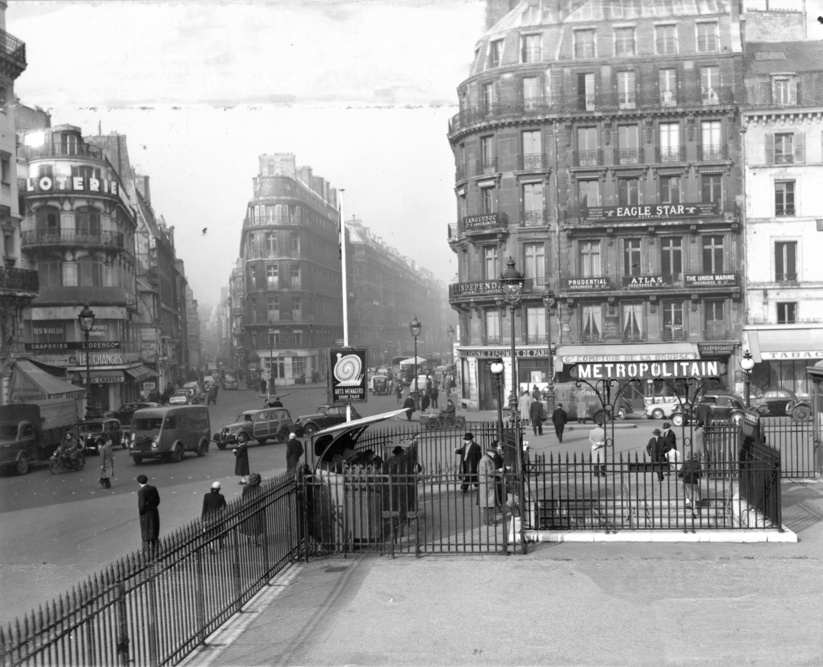 [View of the Place de la Bourse - Paris]