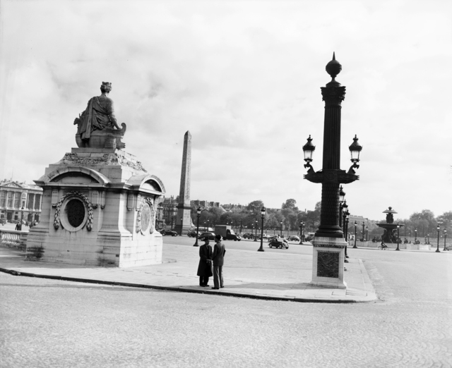[Views of Paris (Place de la Concorde, the Golden Dome of Les Invalides)]