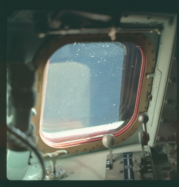 AS07-03-1557 - Apollo 7 - Apollo 7 Mission, Command Module window