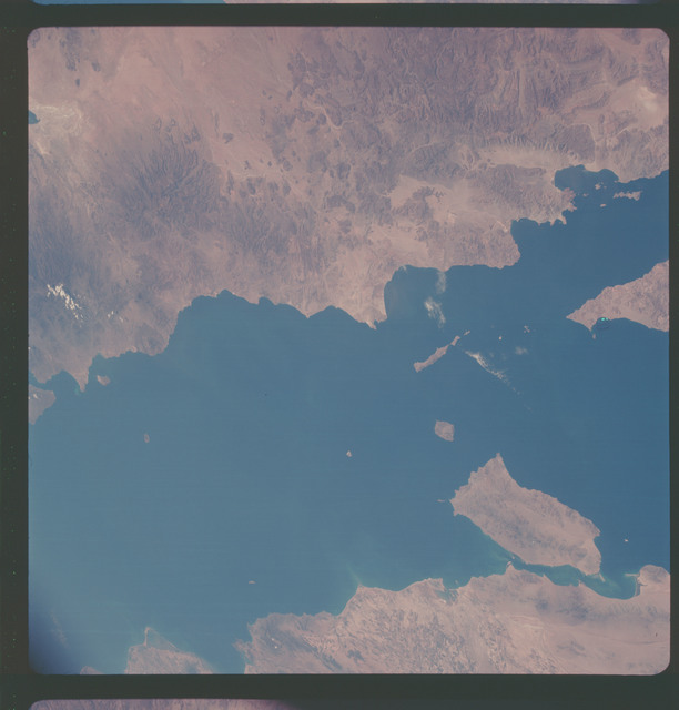 AS07-05-1630 - Apollo 7 - Apollo 7 Mission, Baja California, Gulf of California, Mexico, Tiburon Island