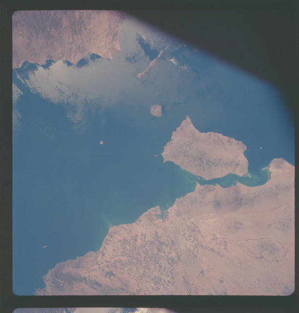 AS07-05-1631 - Apollo 7 - Apollo 7 Mission, West Coast of Mexico, Gulf of California, Tiburon Island. Low oblique